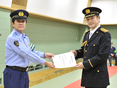 獅童が「一日警察署長」に、交通安全を呼びかける   歌舞伎美人(かぶきびと)