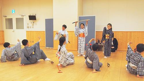 こども歌舞伎スクール 成果披露公演「歌舞伎、たのしい!」の稽古場から