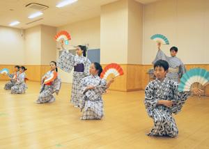 こども歌舞伎スクール「寺子屋」成果披露公演「歌舞伎、たのしい!」の稽古場から