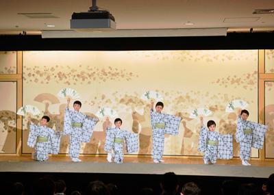 こども歌舞伎スクール「寺子屋」、修了発表会、成果発表会を開催