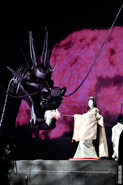 進化した超歌舞伎『今昔饗宴千本桜』上演