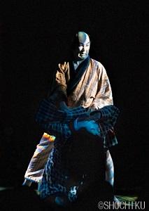 「オフシアター歌舞伎」『女殺油地獄』熱気とともに初日開幕